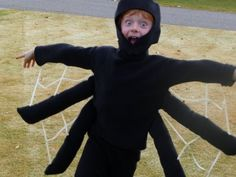 Cute Homemade Halloween Spider Costume- I like the white webbing between the legs