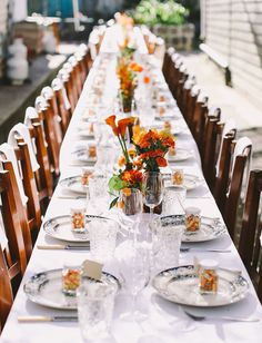 gorgeously modern tablescape