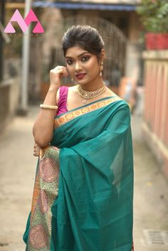Women's Heavy Cotton Silk Cgreen and pink saree with blouse piece Indian Blouse, Indian Ethnic Wear, Indian Sarees, Bollywood Saree, Bollywood Fashion, Wear Store, Saree Look, Work Sarees, Pink Saree