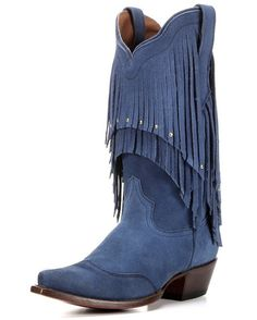 Start a whole lotta shakin' with the Tupelo Boot from the Elvis Presley Blue Suede Collection. This classic design is filled with pure Elvis roots: rich blue leather, all-around top fringe and gold studs.