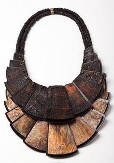 "Dona Karan y su proyecto ""Urban Zen"". Fall Jewelry, Tribal Jewelry, Jewelry Art, Jewelry Accessories, Fashion Accessories, Jewelry Design, Fashion Jewelry, Unique Jewelry, Do It Yourself Jewelry"