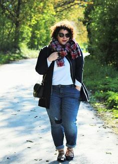 A Plus Size Girl Who Loves Fashion: Lace Up