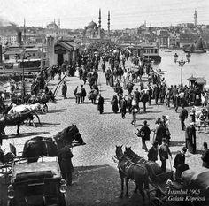 Galata Köprüsü (1905) #birzamanlar #istanlook #istanbul