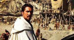 È cresciuto con i testimoni di Geova e da ragazzino frequentava la chiesa. Poi però ha smesso, e adesso che si trova a interpretare Exodus, la storia di Mosè e dei Dieci Comandamenti, Christian Bale s'interroga sui problemi della religione (e del suo carattere) Christian Bale ha una brutta fama per i giornalisti, quella di …