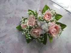 light pink spray rose corsage