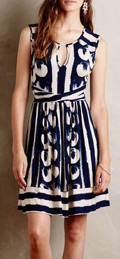 I like the length on this dress and that it is not spaghetti straps. I think the shape might work for me