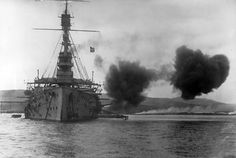 Evacuation of Suvla Bay, Dardanelles, Gallipoli Peninsula, on January 1916. The Gallipoli campaign was part of an Allied effort to capture the Ottoman capital of Constantinople (modern-day Istanbul)....