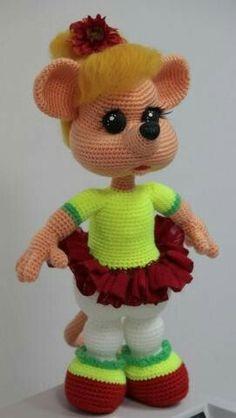 47 Ideas Crochet Amigurumi Free Patterns Fairy For 2019 Crochet Fairy, Crochet Mouse, Cute Crochet, Crochet For Kids, Crochet Dolls, Crochet Amigurumi Free Patterns, Knitted Animals, Amigurumi Doll, Stuffed Toys Patterns