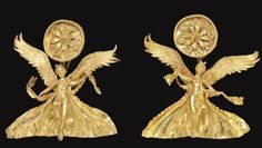 A PAIR OF GREEK GOLD NIKE EARRINGS   HELLENISTIC PERIOD, CIRCA LATE 4TH-3RD CENTURY B.C.