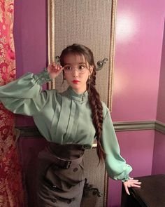 Image in IU 이지금 🐥 collection by тιηкєявєℓℓ ✨ on We Heart It Luna Fashion, Kpop Fashion, Korean Fashion, Iu Hair, Korean Girl, Asian Girl, Korean Actresses, Korean Outfits, K Idols