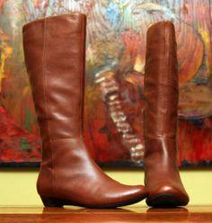 #Flat cognac boots