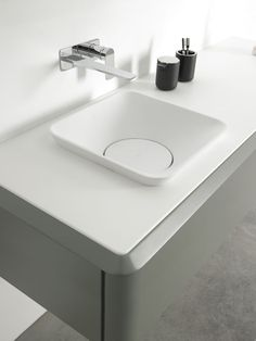 Sanitario de baño / Mueble de baño:  #decoracion #baño Fluent collection de Inbani. #bathroom #furniture #design #washbasin #decoracion #baño