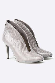 Botine argintii, decupate, cu toc cui  - Carinii Kitten Heels, Shoes, Fashion, Moda, Zapatos, Shoes Outlet, Fashion Styles, Shoe, Footwear