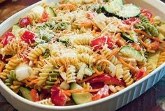 Pasta salad 😘 summer is coming😘😘 Summer Is Coming, Greek Recipes, Summer Salads, Pasta Salad, Salad Recipes, Spaghetti, Food And Drink, Easy Meals, Soup