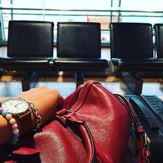 Details ️  #accessories #accessory #armcandy #bag #bags #balber #balbertime #details #detailsoftheday #handbag #instadaily #instadashion #jewellery #jewelry #travel #travelgram #uhren #waiting #watch #watches #watchesofinstagram
