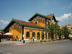 Railway station of Volos town, Magnesia region Thessaly, Greece Learn Greek, Green Scenery, Railway Museum, Thessaloniki, Beautiful Places, National Parks, Island, Gothic Furniture, Train Stations
