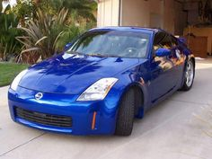 "2004 Nissan 350Z -- I don't like The 370Z ""Angry Catfish"" redesign."