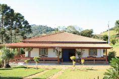 #modelosdecasasdechacara Dream House Plans, Small House Plans, My Dream Home, Hacienda Homes, Hacienda Style, Village House Design, Village Houses, Spanish Style Homes, Spanish House