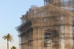 Edoardo Tresoldi Unveils Neoclassical Wire Mesh Sculpture at Coachella Festival,© Roberto Conte
