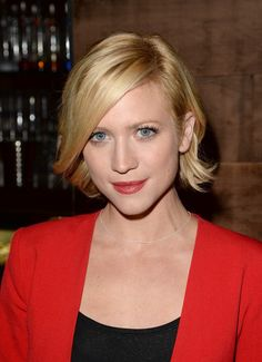 Quick Bob Minimize With Side Swept Bangs – Brittany Snow Brief Haircuts - http://www.homedecorlife.com/quick-bob-minimize-with-side-swept-bangs-brittany-snow-brief-haircuts.html