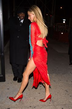 November 7: [HQs] Hailey and Justine Skye heading to the 13th Annual CFDA/Vogue Fashion Fund Awards in NYC