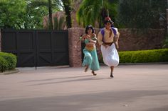 Aladdin and Jasmine racing ~ Too cute!  <3