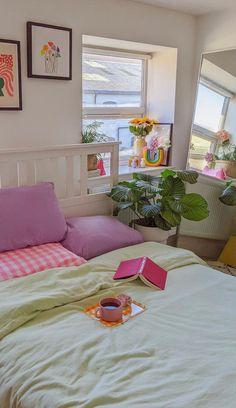 Room Design Bedroom, Room Ideas Bedroom, Bedroom Decor, Bedroom Inspo, Pastel Room Decor, Cute Room Decor, Room Ideias, Indie Room, Pretty Room