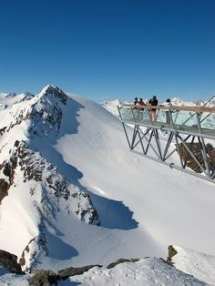 One of the Big 3 viewing platforms at Tiefenbach Glacier in Sölden. With a great vista of Wildspitze peak (3.776 m), Tirol's highest mountain.
