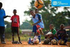 Potkutreenit ja onnistumisen kokemuksia. #jalkapallo #SOS-Lapsikylä #Etelä-Afrikka