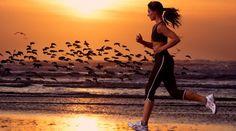 Aproveite o verão para correr na areia - Carol Magalhães