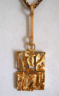 It is signed Finland bronze and Jorma Laine. hangs on a bronze chain. I am always happy to help you find the right piece of jewelry to suit your needs. Bronze Pendant, Jewel Box, Brutalist, Metal Clay, Clay Art, Finland, Scandinavian, Ornament, Jewelry Design