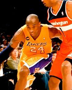 Bryant Basketball, Basketball Videos, Lakers Kobe Bryant, Basketball Drills, Basketball Pictures, Basketball Players, Kobe Bryant Dunk, Kobe Bryant Family, Nba Best Dunks