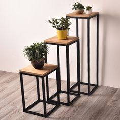 12 Extraordinary Diy Plant Stands Plant stands are very critical as far as decoration is concerned people do observe the plant stand and it has a considerable impact on t. Plant Table, Patio Table, Diy Table, Diy Patio, Metal Plant Stand, Diy Plant Stand, Plant Stands, Metal Furniture, Furniture Design
