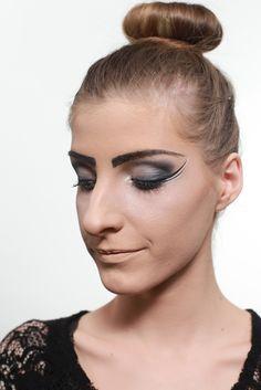fashion make-up (mua: Karolien Olaerts) Make Up, Band, Fashion, Moda, Sash, Fashion Styles, Makeup, Beauty Makeup, Fashion Illustrations