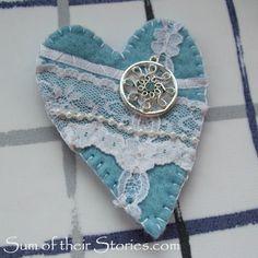 Fabric Art, Fabric Crafts, Love Bears All Things, Knit Art, Heart Keyring, Cross Stitch Heart, Blanket Stitch, Valentine Crafts, Valentines