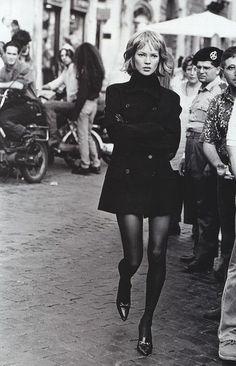 "insanity-and-vanity: "" Kate Moss by Peter Lindbergh for Harper's Bazaar, September 1994 "" Estilo Beatnik, Beatnik Style, Look Rock, Peter Lindbergh, Estilo Kate Moss, Kate Moss Stil, Mode Outfits, Fashion Outfits, Cheap Fashion"