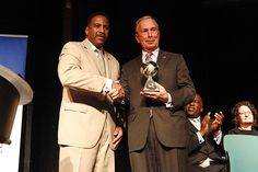 National Fatherhood Initiative (NFI) recently recognized New York City Mayor Michael Bloomberg with a Fatherhood Award™ in a ceremony at LaGuardia Community College. Bloomberg launched two initiatives to strengthen fatherhood and families.