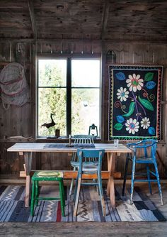 The chairs, in the dining room, one of each mother - Home Design & Interior Ideas Interior And Exterior, Interior Design, Deco Boheme, Beautiful Mess, Deco Design, Cabins In The Woods, Bohemian Decor, Bohemian Room, Bohemian Interior