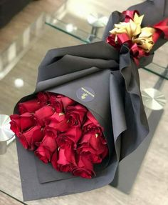 Flowers Orange Wallpaper Backgrounds Ideas For 2019 Flower Box Gift, Flower Boxes, How To Wrap Flowers, Pretty Flowers, Red Rose Bouquet, Bouquet Flowers, Orange Wallpaper, Gift Bouquet, Luxury Flowers