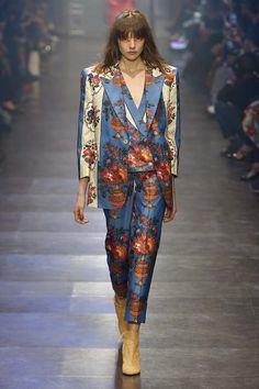 Vivienne Westwood alerta para os efeitos de mudanças climáticas na histórica Veneza - Vogue | Desfiles