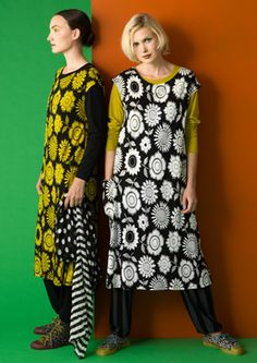 """""""Solros"""" lyocell jersey dress – Graphic in black and natural – GUDRUN SJÖDÉN – Webshop, mail order and boutiques 