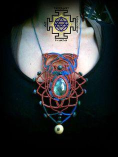Collar ajustable hecho a mano con especial por NogyanFraktal