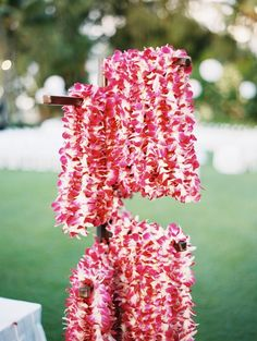 Orchid lei stand. Hawaiian Luau Party, Hawaiian Birthday, Luau Birthday, Birthday Ideas, Tropical Wedding Reception, Luau Wedding, Hawaii Wedding, Dream Wedding, Moana Birthday Party