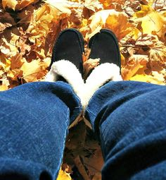 Comfort and Warmth During the Holidays with Skechers - Naturally Cracked Canadian Winter, Slipper Boots, Ankle Highs, Snow Pants, Soft Suede, Skechers, Bobs, Giveaways, Mittens