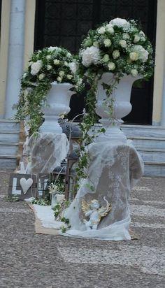 στολισμος γαμου ρομαντικος Wedding Centerpieces, Wedding Decorations, Wedding Ideas, Bouquet, Garden Sculpture, Bridal Shower, Floral Wreath, Wreaths, Outdoor Decor