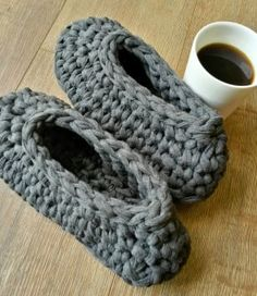 This t shirt yarn manly slipper is charcoal in colour with no trimming. It's long and will fit you if you are between a number It's machine washa. Number 10, Mens Slippers, T Shirt Yarn, Charcoal, Colour, Crochet, Fit, Accessories, Color