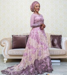 Gorgeous Hausa Brides: Checkout These Beautiful Portraits Look Book - Wedding Digest Naija African Wedding Attire, African Attire, African Wear, African Lace, African Style, African Beauty, African Maxi Dresses, Latest African Fashion Dresses, Lace Dresses