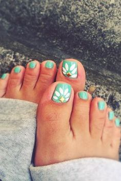 21 Pretty Toe Nail Designs for Your Beach Vacation ★ See more…