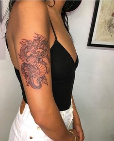 25 Arm Tattoos für Frauen - - tattoo old school tattoo arm tattoo tattoo tattoos tattoo antebrazo arm sleeve tattoo Dope Tattoos, New Tattoos, Girl Tattoos, Tatoos, Tattoos Bras, Dream Tattoos, Awesome Tattoos, Arm Tattos, Ladies Tattoos