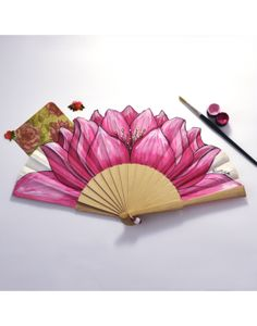 Accesorio perfecto, elegante, exclusivo y original. Hand Fan, Fans, Hand Painted Fabric, Painted Fan, Watercolor Painting, Dibujo, Lotus Flower, Hand Fans, Ladybugs